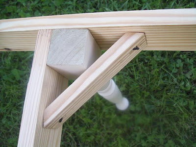 DIY outdoor bench using spindles as legs