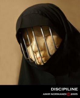 http://4.bp.blogspot.com/_vkAnhL7OH1E/SgFDs57NY7I/AAAAAAAAAq8/CuIsSsSzMVg/s320/burqa.jpg