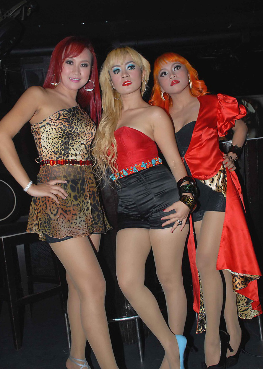 Photos Trio Macan Sexy Dress Red Color