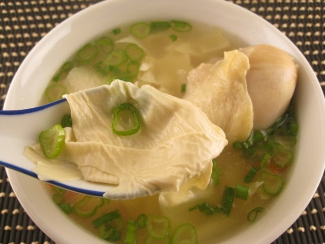 My Asian Kitchen: Chicken and Dried Tofu Skin Soup