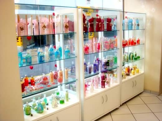 Alessandra Barcelos Dicas para uma pequena loja de roupas e acessórios Móveis e decoraç u00e3o parte 2 # Decoração De Loja Pequena De Cosmeticos
