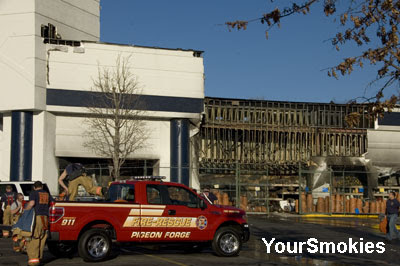 Fire closes Old Time Pottery in the Belz outlet mall in Pigeon Forge