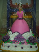 Barbie cake + square cake