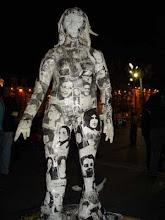 Memoria:escultura hecha con rostros de detenidas desaparecidas y ejecutadas políticas