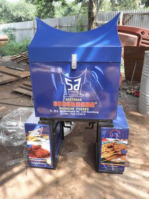 Rumah Makan Nasi Padang, Box Motor Delivery