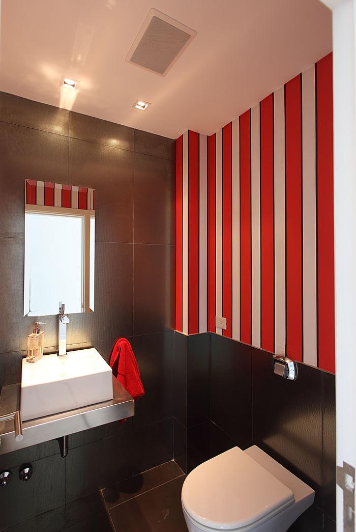 Interiores minimalistas la casa negra de andr s remy for Interiores minimalistas