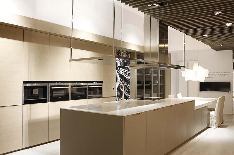 Gunni trentino abre un nuevo showroom en barcelona interiores minimalistas - Gunni cocinas ...