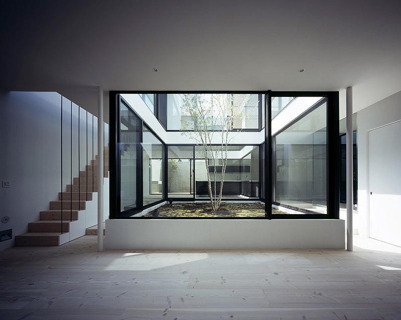 La casa patio un proyecto de apollo architects for Casas con patio interior