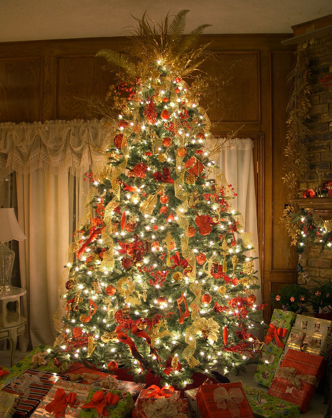 1000 images about o christmas tree on pinterest for Amazing christmas tree decorations