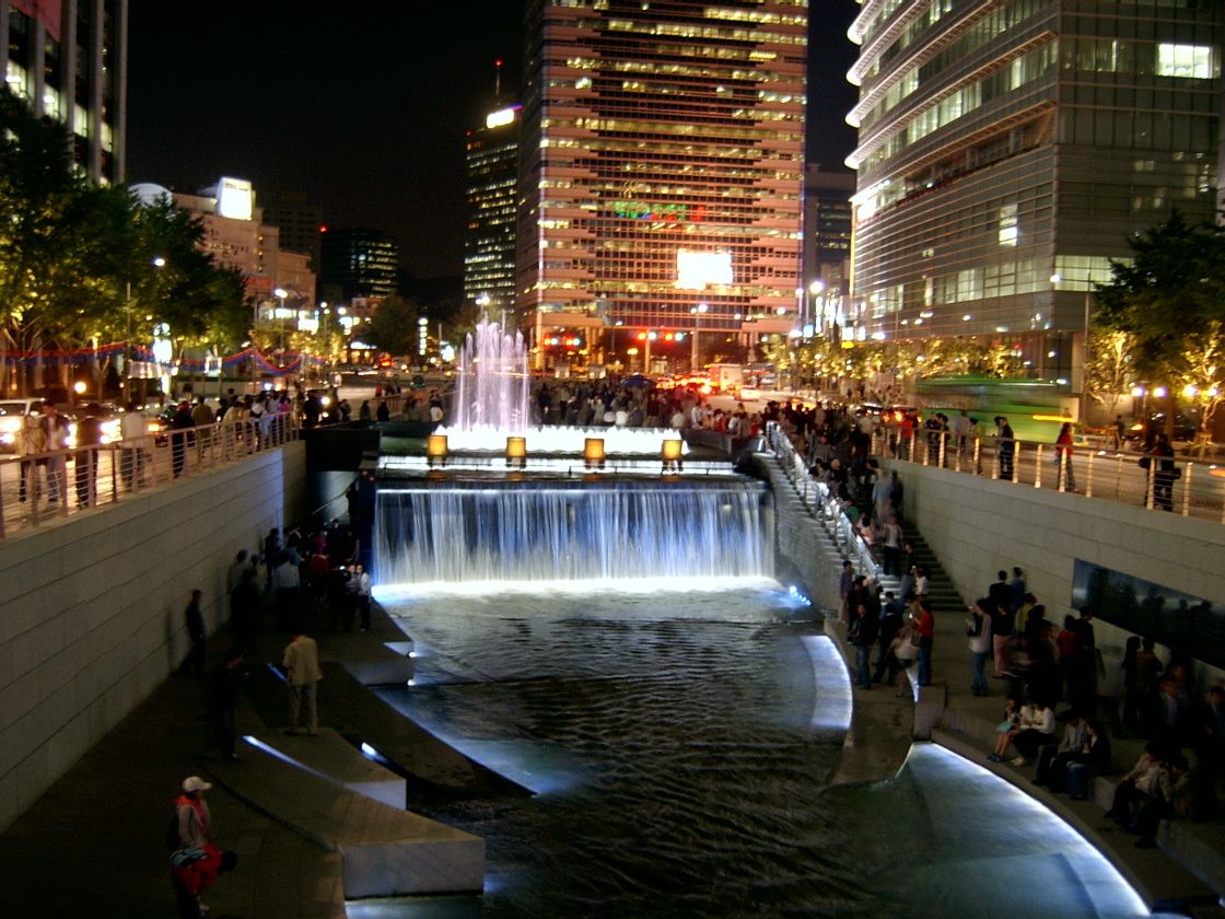 http://4.bp.blogspot.com/_vr9_cvTl8fM/TNLlebMBQYI/AAAAAAAAAAQ/d-zKbJx3R7Y/s1600/Seoul_Cheonggyecheon_night.jpg