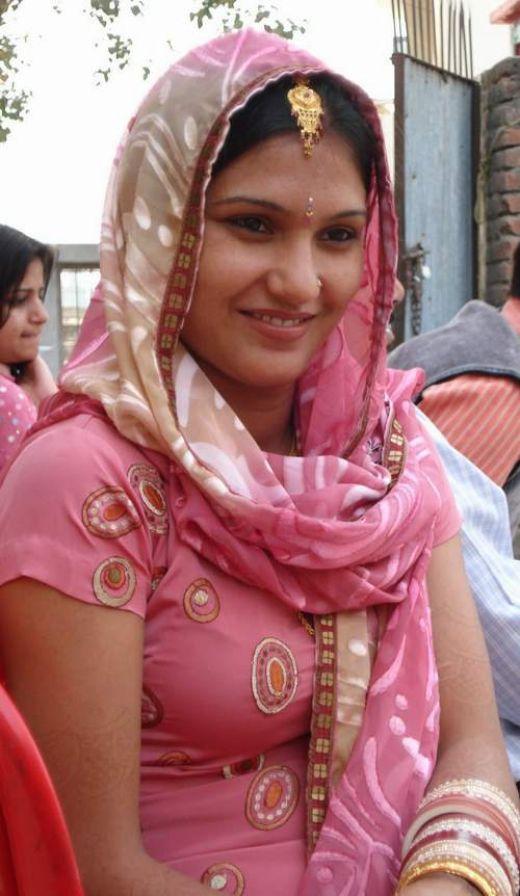 Lady gaga ombro punjabi girls wallpapers - Punjaban wallpaper ...