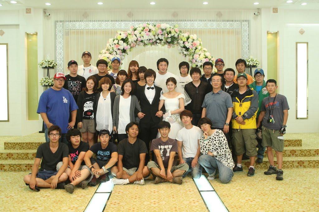 http://4.bp.blogspot.com/_vu9uqzISxb0/TJbcYKmXrTI/AAAAAAAAOe0/9Xm3qFe4Tfk/s1600/wedding+pix.jpg