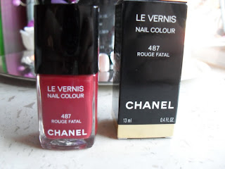 it 39 s all about your charisma meine neue liebe chanel nagellack rouge fatal. Black Bedroom Furniture Sets. Home Design Ideas