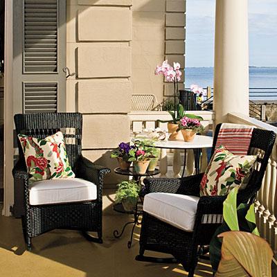 Balcones de verano fatidica gala deco miscelanea for Sillones para balcon