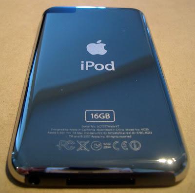 ipod touch 3g. ipod touch 3g back. ipod touch