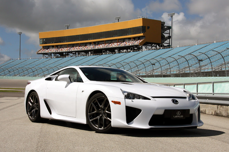 2011 lexus lfa supercar specifications technical features and reviews tech world. Black Bedroom Furniture Sets. Home Design Ideas