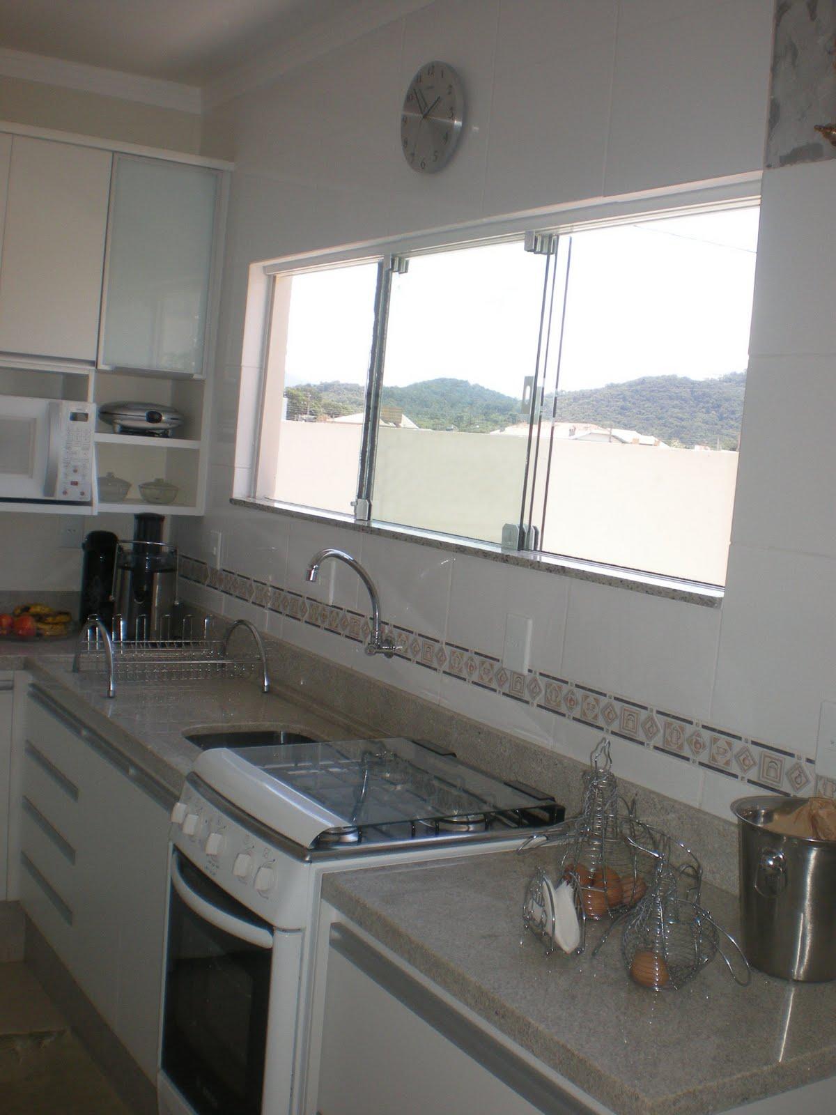 #586473 casa e de algumas janelas de cozinhas que vi pela net essa é a janela  1200x1600 px Projeto De Cozinha Com Janela_4573 Imagens
