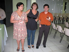 Ana Lígia(Língua Portuguesa)Regina (Coordenadora) e Alexson ( Matemática)