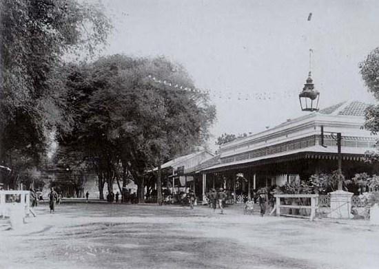 [Jl.+Senopati+(1895).jpg]