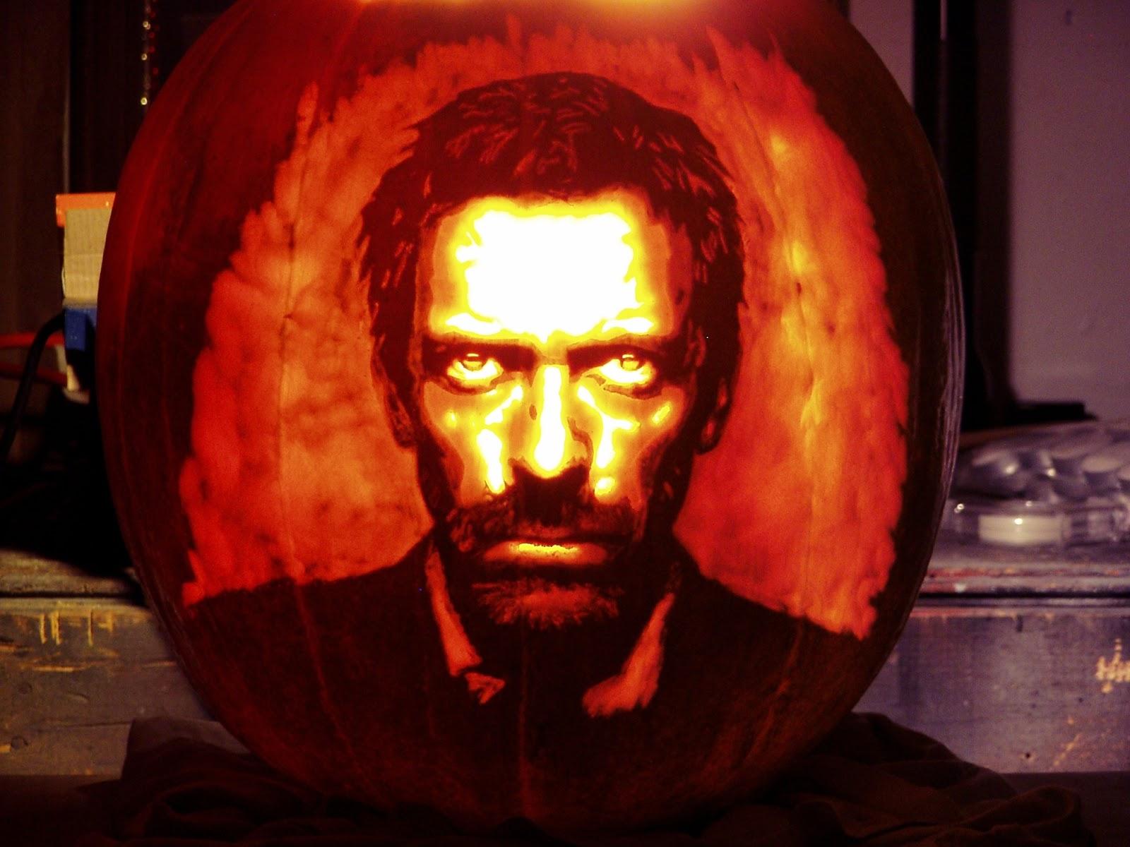 http://4.bp.blogspot.com/_w1jHA8uDX3c/TMdO6T9dOxI/AAAAAAAAA_g/K8i--Ecum2I/s1600/House-pumpkin-house-md-16490908-1984-1488.jpg