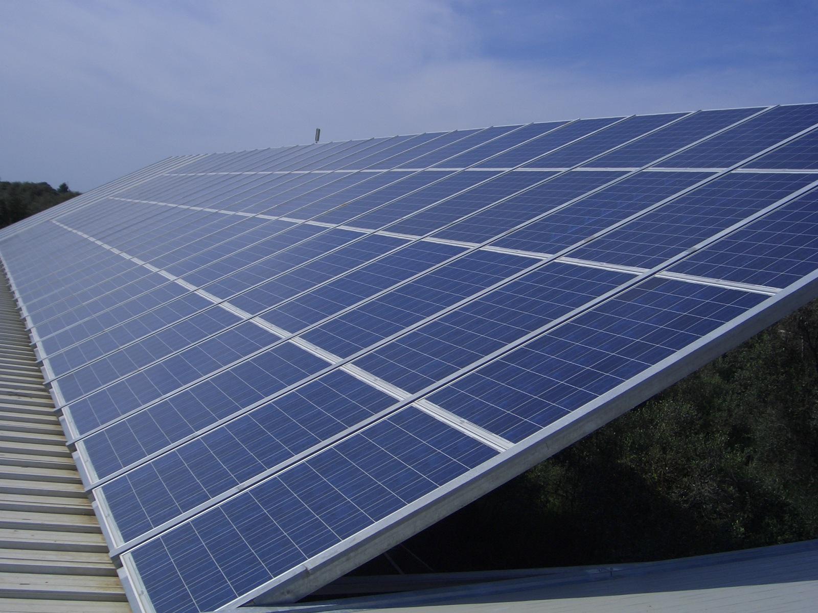 Installazione fotovoltaico su tetto in legno