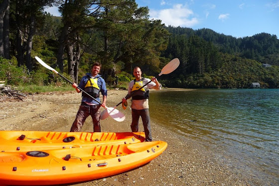 Aquí estamos ya bajados del Kayak Marcos y yo