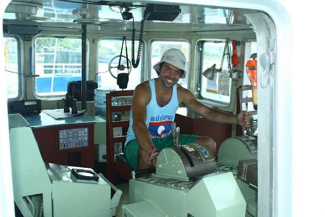 Acá estoy yo en la cabina de mandos del ferry