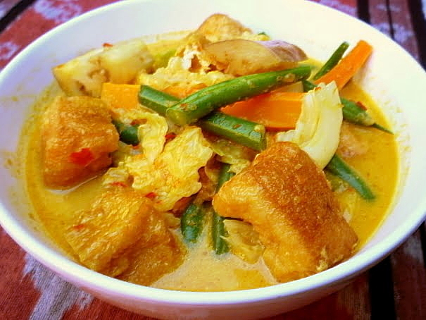 3 hungry tummiesSayur Lodeh, Malaysian Vegetable Curry