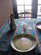 ceramica utilitaria, torneada y pintada a mano