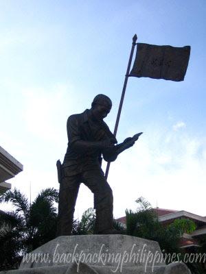 andres bonifacio monument Tutuban