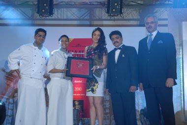 Kareena Kapoor at The Times Food and Nightlife Awards