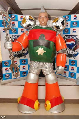 Vindu Dara Singh promotes Pepsi Game