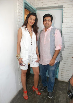 Mugdha Godse at Sobo Men's Wear at Chowpatty