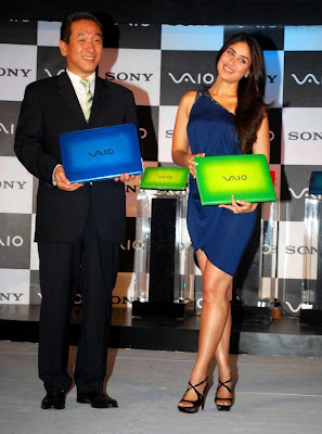 Kareena Kapoor Unveils Sony Vaio Series Laptop