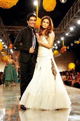 AISHWARYA RAI at HDIL COUTURE WEEK