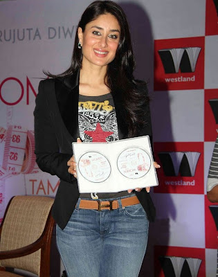 Kareena Kapoor at book Launch of Women & the Weight Loss Tamasha