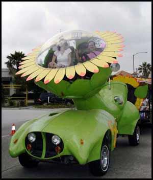 [Image: sunflowerartcar.jpg]