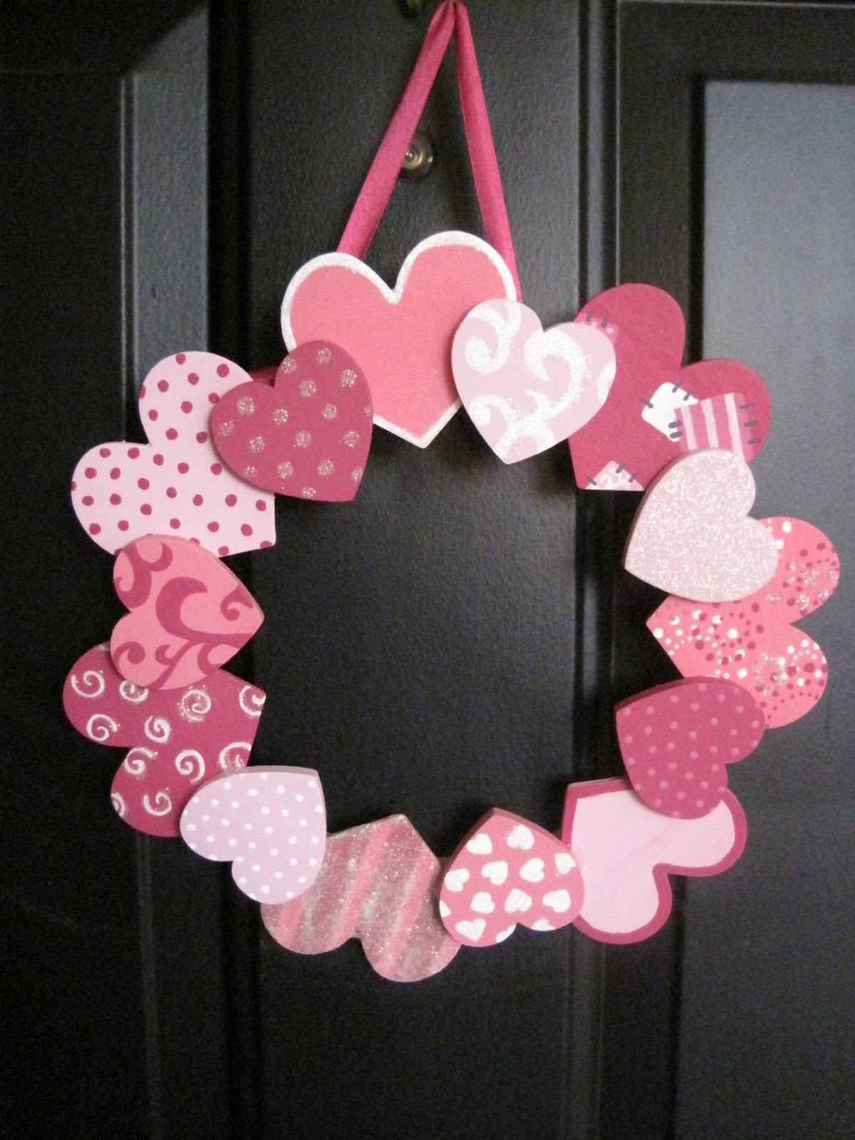 Greenchicken31 valentine 39 s day wreath - Valentine day decoration ideas ...