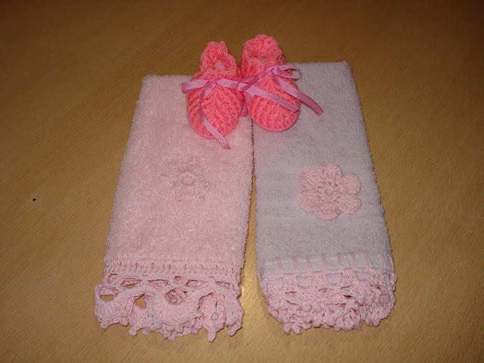 escarpin rosa fuerte con toallitas