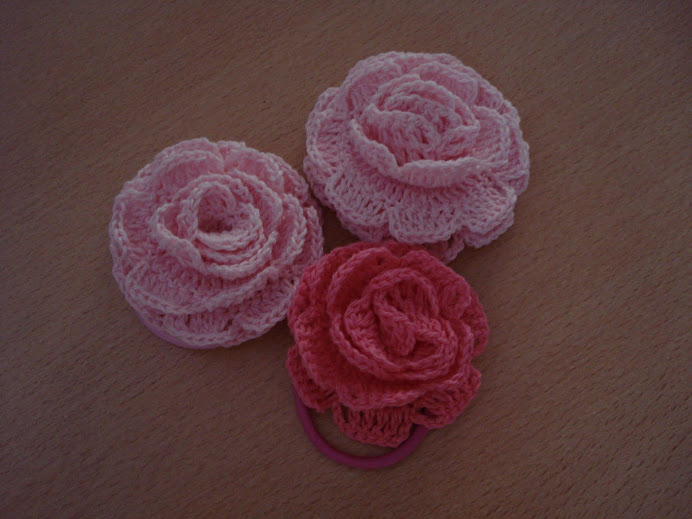 colitas para el pelo con rosas chicas $ 4, grandes $ 5