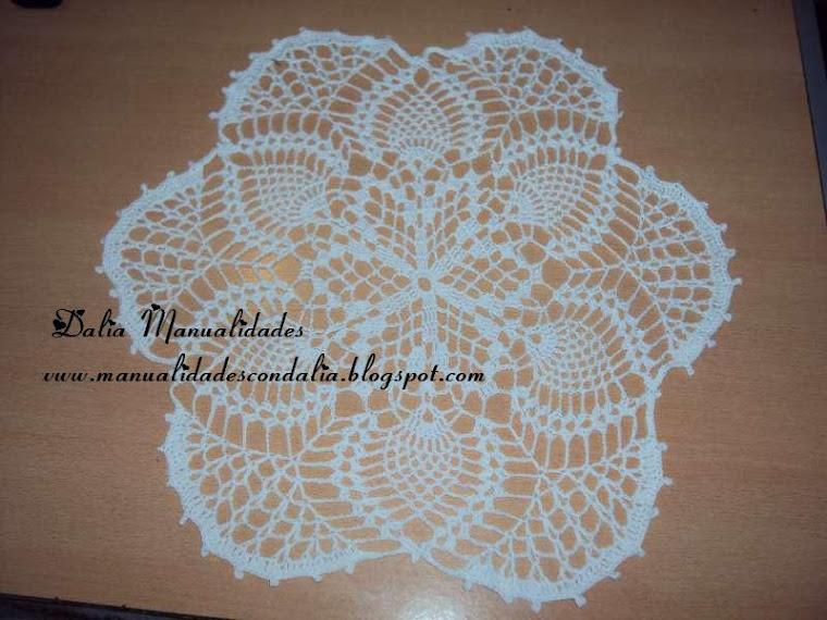 carpeta redonda blanca