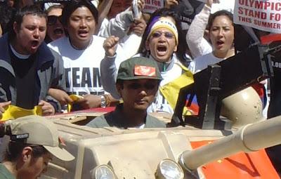 Comandantes y conductores Mock+tank+driver