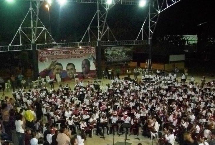 [Parque+Bicentenario+Foto+1+Concierto+Inaugural+Orquesta.JPG]