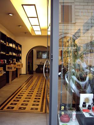 PRO FVMVM ROMA store entrance at Via di Ripetta