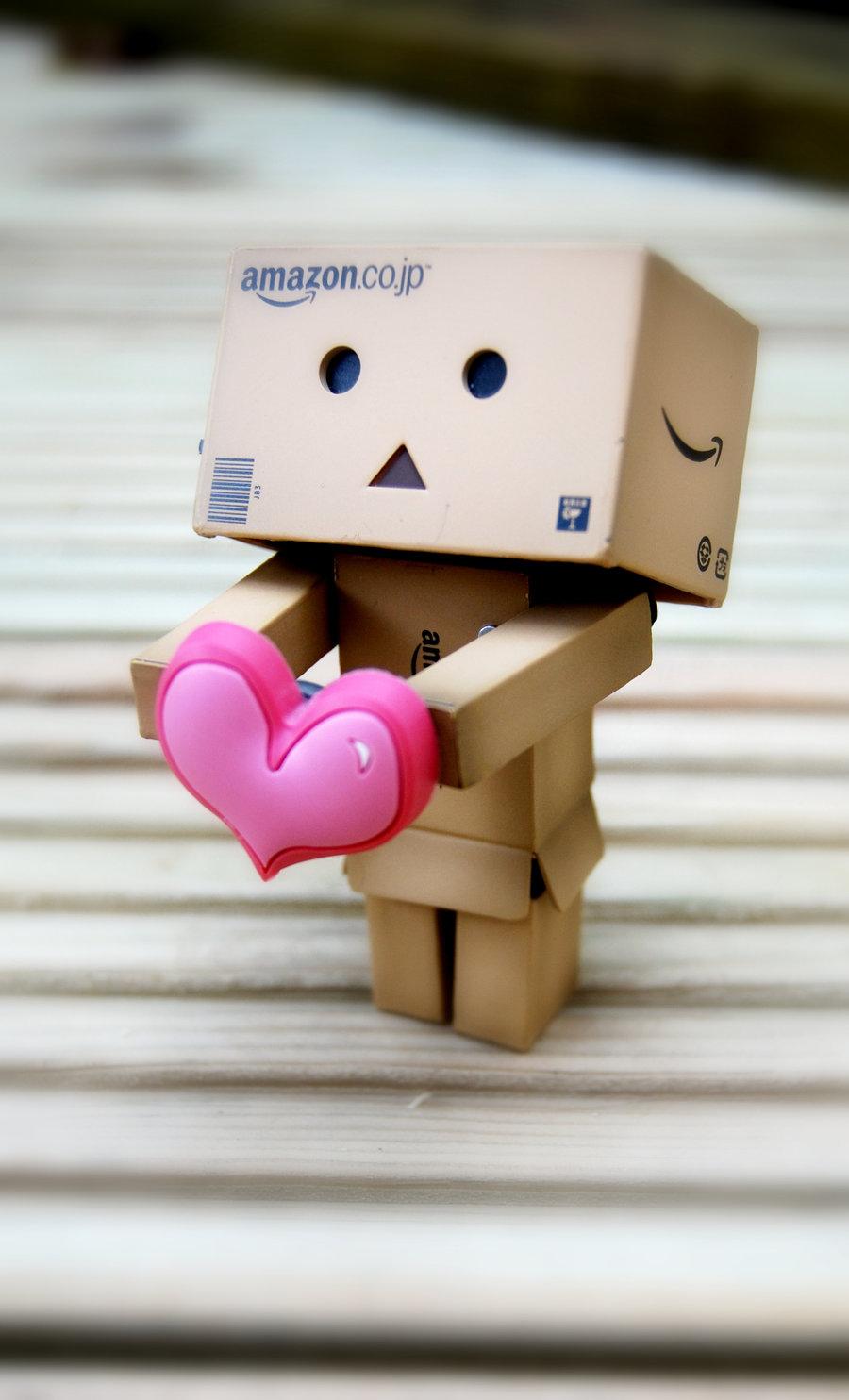 http://4.bp.blogspot.com/_wAu2SUbV9uE/TKwbimRfarI/AAAAAAAAAhg/SaI7NvVL_Jo/s1600/Danbo_loves_you__by_BeciAnne.jpg