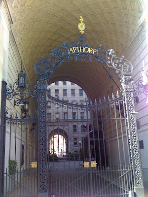 Apthorp Apartmenta