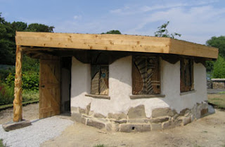 If You Fancy Building Your Own Garden Office, Consider Using Cob, A Very  Old Building Technique Which Combines Earth, Straw, Sand And Water In A  Sturdy Way ...
