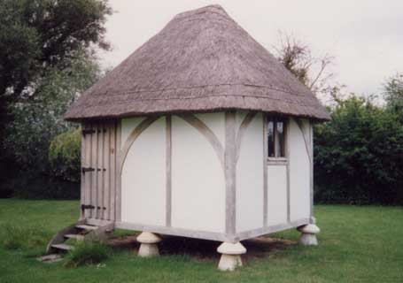 Shedworking thatched garden office for Oak garden office