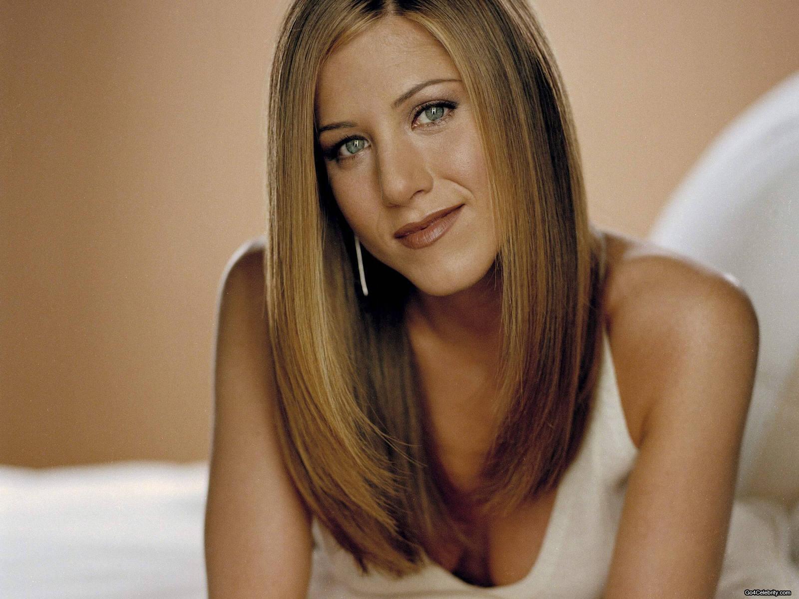 http://4.bp.blogspot.com/_wBdQYYNfKzk/TJcqdBUiBlI/AAAAAAAAAcw/G8dNfLlqkJo/s1600/Jennifer-Aniston-042.jpg
