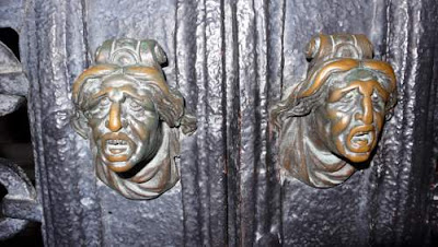 Image of two knockers in Venice.